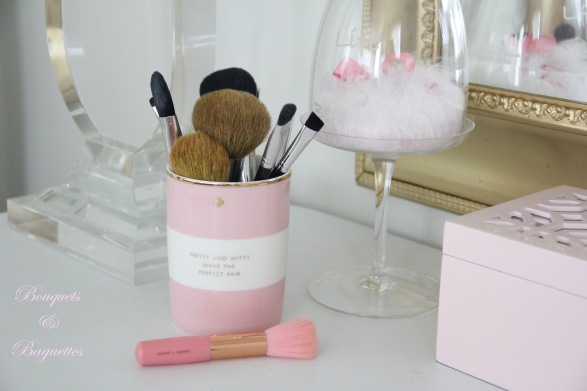 makeup brushes a la kate spade
